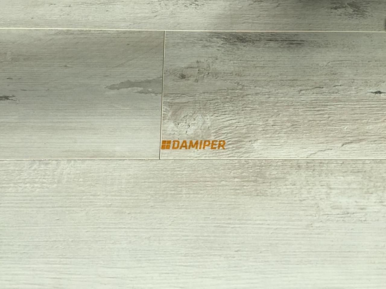 kompozitne_podlahy_h2o_floor_kronooriginal_1524_borovica_southern_damiper