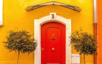 Vchodové dvere do domu